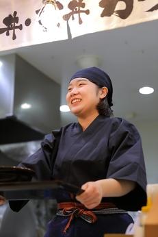 【積極採用中】日本一を目指すどんぶり屋でアルバイトスタート!!よーい、丼!!